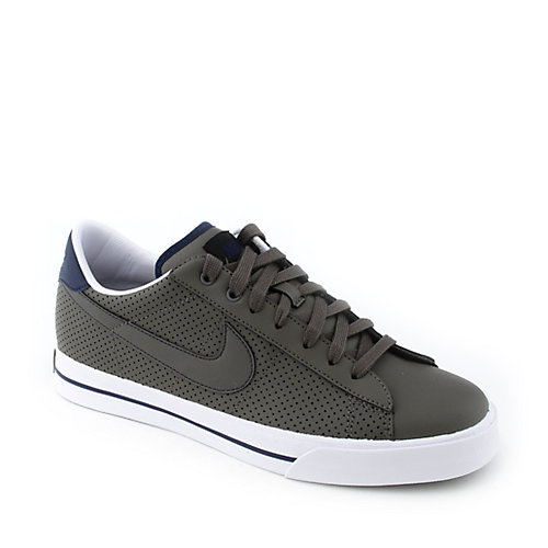 Nike Sweet Classic Leather mens athletic basketball sneaker