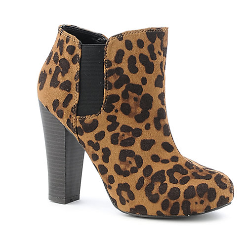 Madden Girl Zelouss womens ankle boot