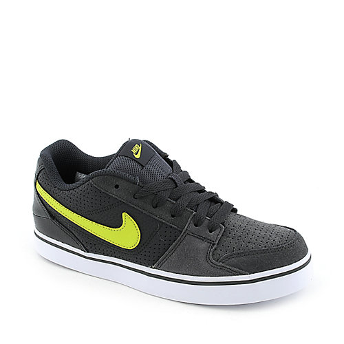 Nike Ruckus Low JR youth sneaker