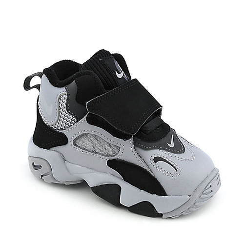 Nike Speed Turf Toddler athletic basketball sneaker