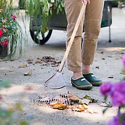 5 Tools to Tame Your Garden