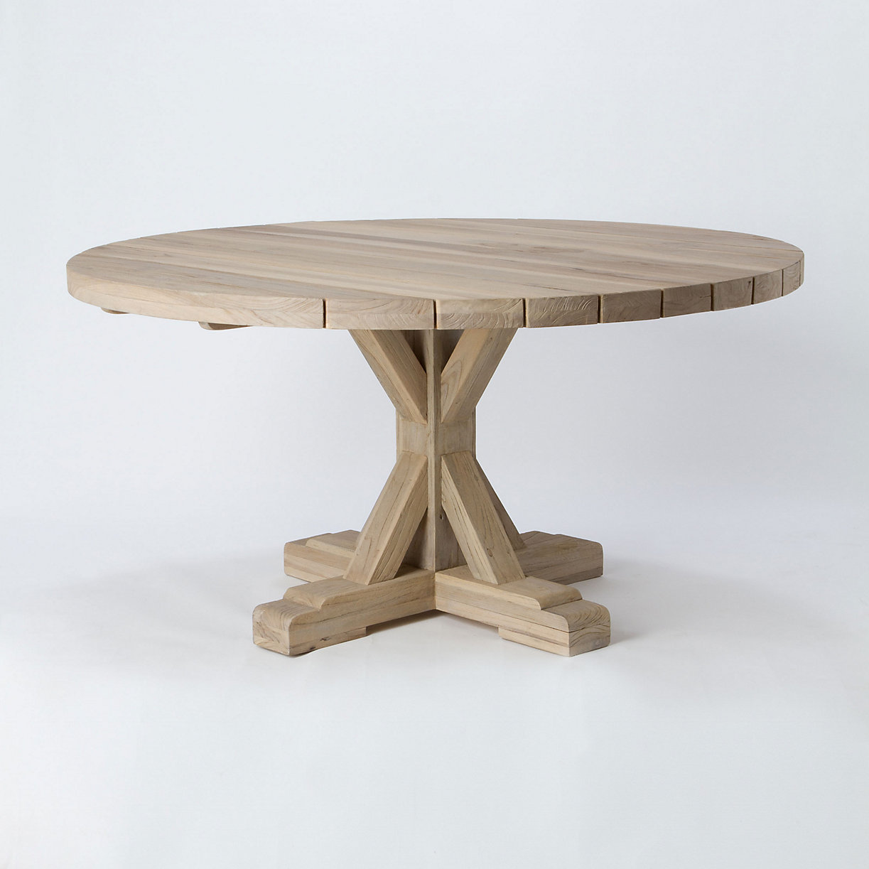 Preserved teak dining table round terrain for Round teak outdoor table