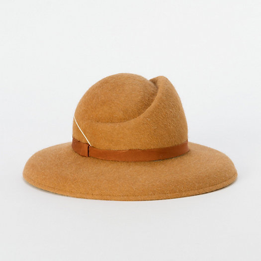Quill Hat, Camel