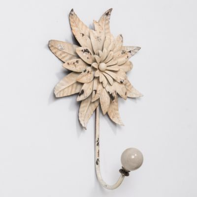 Chrysanthemum Bloom Hook