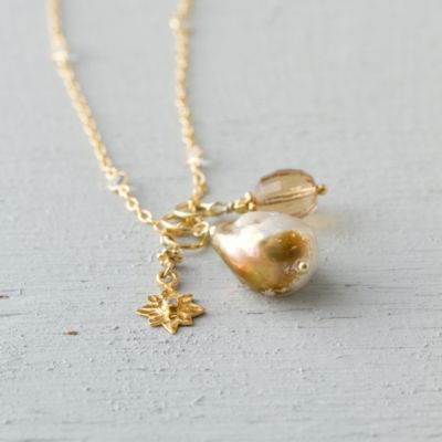 Pearl & Pendant Necklace