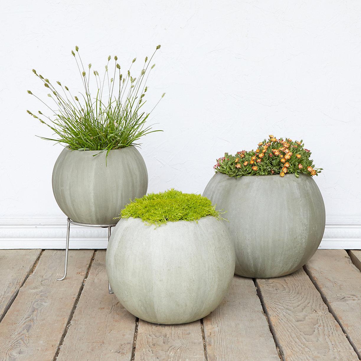 Mossy Sphere Planter Terrain