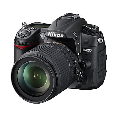 Nikon D7000 KIT with 18-105mm lens