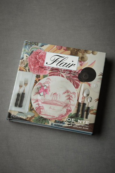 Multi Flair: Exquisite Invitations, Lush Flowers, and Gorgeous Table Settings | BHLDN