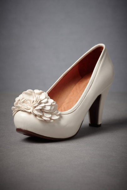 Chie Mihara Ivory Gibson Girl Heels | BHLDN