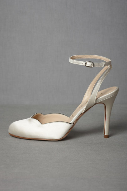 ivory/black Forties Forever Slingbacks | BHLDN