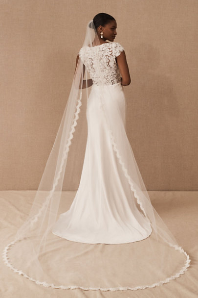 View larger image of Scalloped Cathedral Veil