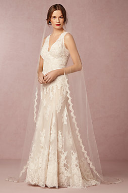 Scalloped Cathedral Veil