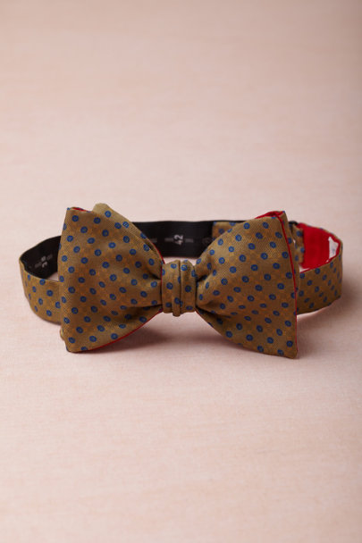 KHAKI Dapper Dots Bowtie | BHLDN