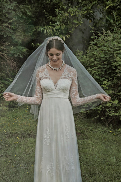 Paris by Debra Moreland ivory Cirque Veil | BHLDN