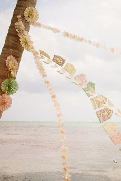 View larger image of Flora Pennant Garland (3)