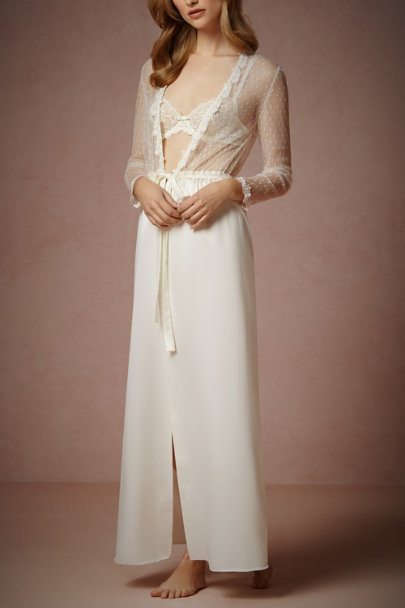ivory Showstopper Robe | BHLDN