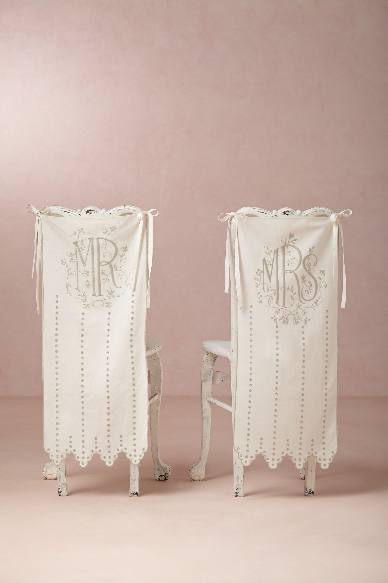 Ivory Eyelet Chair Banners