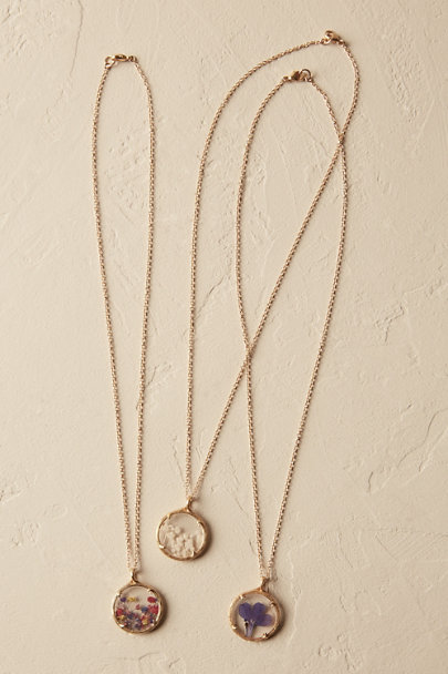 Catherine Weitzman White Baby's Breath Pressed Flower Necklace | BHLDN