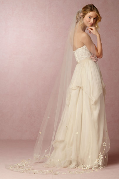 Paris by Debra Moreland Ivory/Gold Sonnet Veil | BHLDN