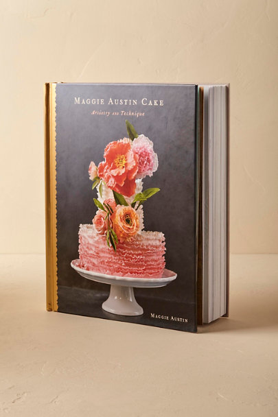 Grey Maggie Austin Cake: Artistry and Technique | BHLDN
