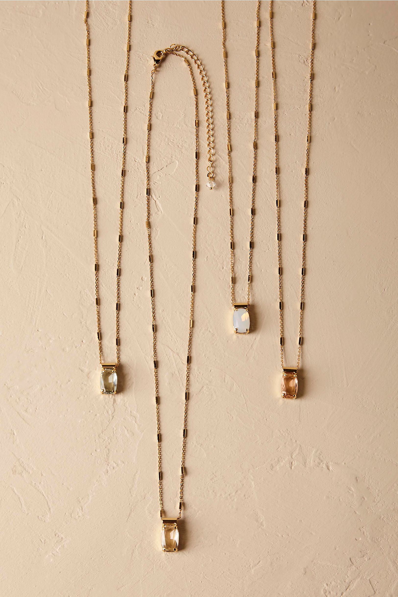 Sorrelli necklace styles for strapless dress