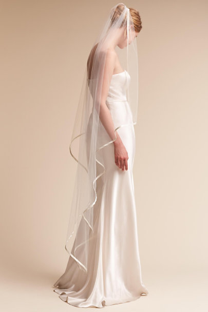 Paris by Debra Moreland Ivory Rising Mist Veil | BHLDN