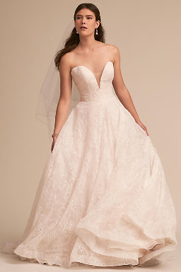 site for the sale of wedding dresses