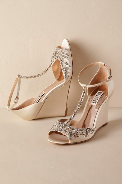 Badgley Mischka Ivory Sarah Wedges | BHLDN