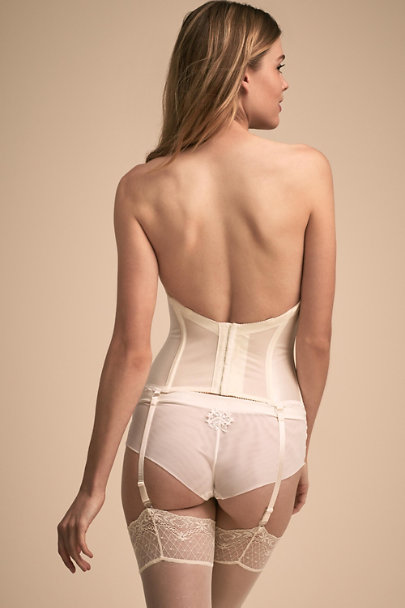 Va Bien Ivory Angelique Corset | BHLDN