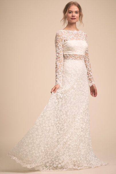 886784e39a8 Celestine Gown Cloud White in Sale