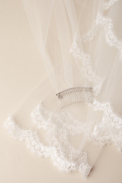 View larger image of Scalloped Circle Veil