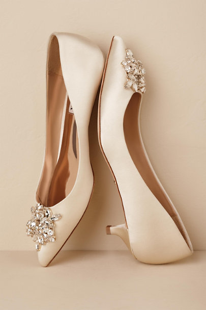 Badgley Mischka Ivory Badgley Mischka Vail Heels | BHLDN