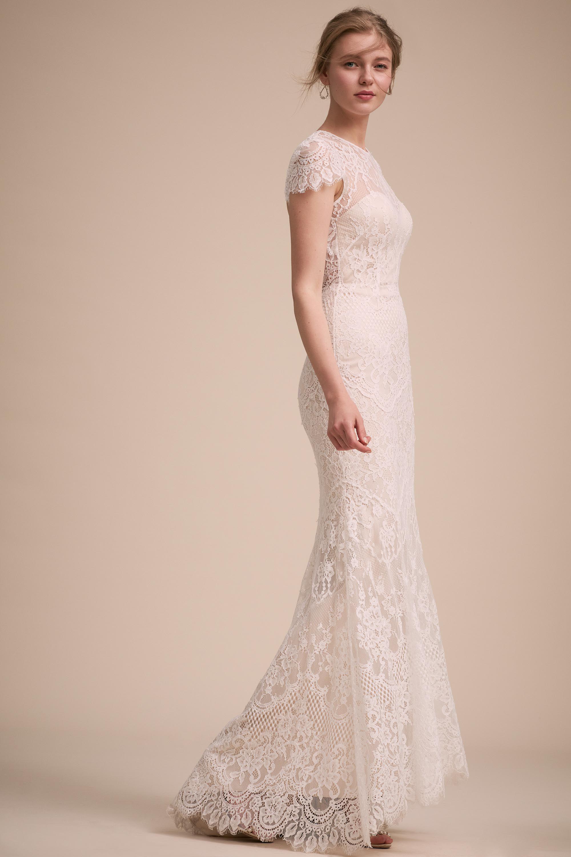 Lavi Gown