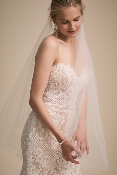 Melinda Rose White Adelinda Fingertip Veil | BHLDN