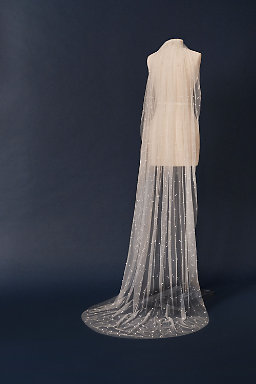 Roesia Pearl Veil