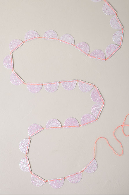 Glitter Scalloped Garland