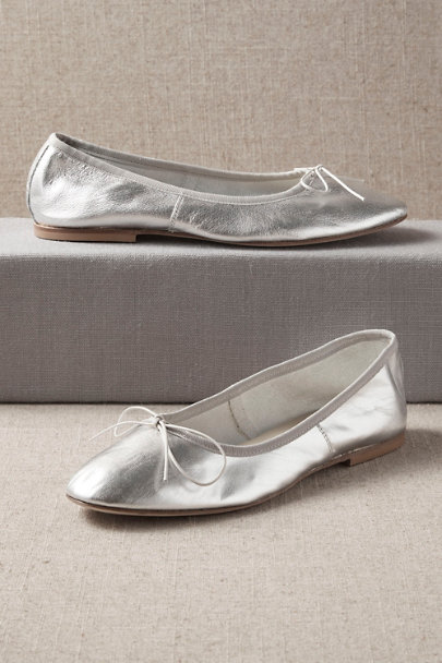 Vintage Style Shoes, Vintage Inspired Shoes Anniel Arion Flats $128.00 AT vintagedancer.com