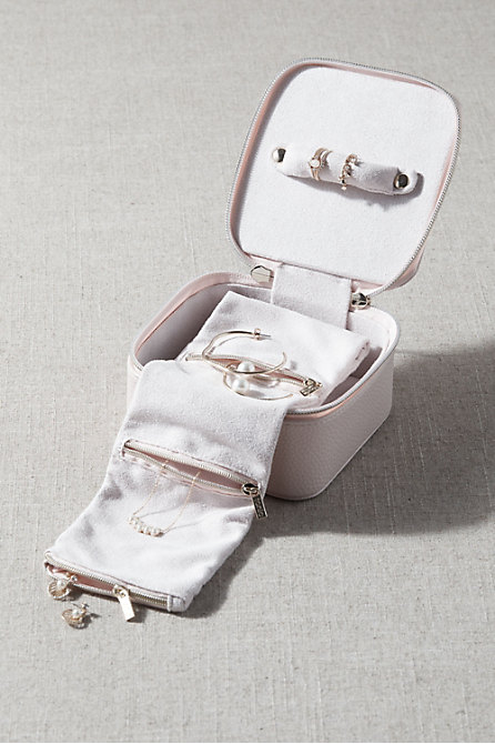 Tonic Jewelry Cube