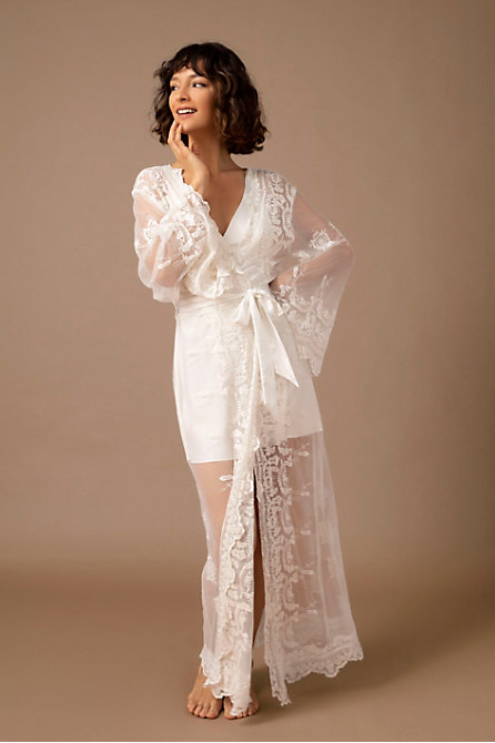 Homebodii Madona Lace Robe