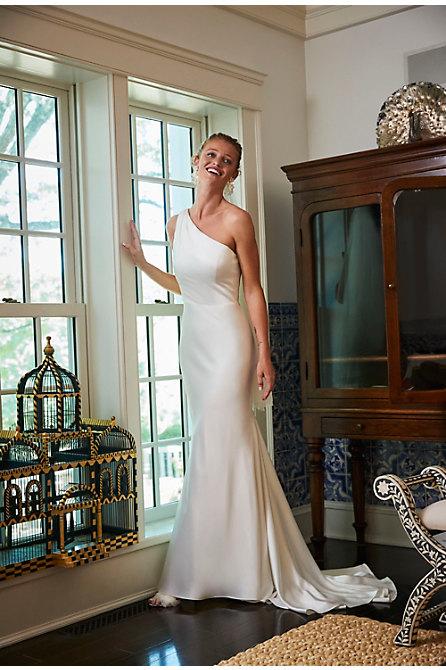 Nouvelle Amsale Pearce Gown
