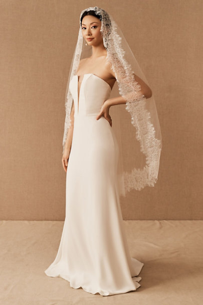 View larger image of Aleksa Karina Hemsley Veil