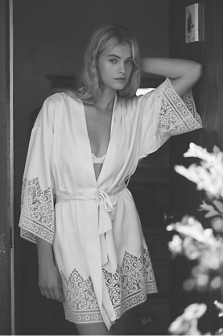 Genevive Kimono