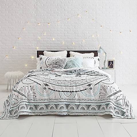 Sophie Medallion Quilt Set Bed Bath Beyond