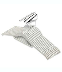 Real Simple® Slimeline Ganchos aterciopelados para camisas en blanco paloma, 12 piezas