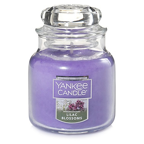 Yankee Candle® Housewarmer® Lilac Blossoms Small Classic Jar Candle