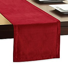 Merveilleux Velvet Table Runner