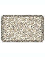 Tapete para cocina de poliuretano Newlife® By Gelpro® con estampado de hojas color almendra