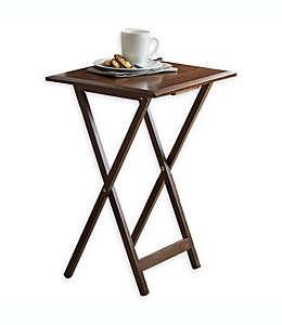 Mesas auxiliares con borde biselado en café nogal, 5 pzas.