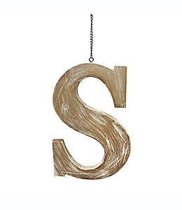 "Colgante de madera para puerta Bee & Willow™ Home de letra ""S"""
