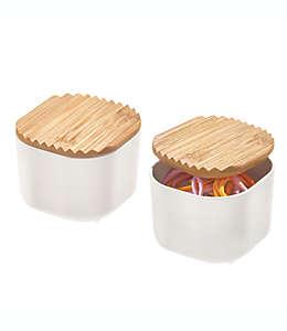 Contenedores de plástico iDesign® chicos con tapa de bambú